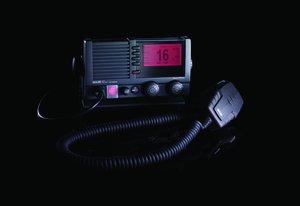 VHF SAILOR 6217 DSC klass D med AIS mottagare